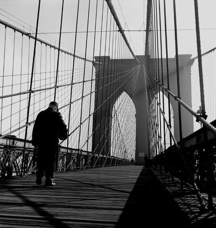 Fred Stein, Brooklyn Bridge Walkway, New York 1944  © Fred Stein Archive