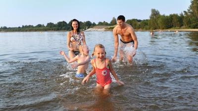 Badespaß im Lausitzer Seenland. © Tourismusverband Lausitzer Seenland, Nada Quenzel