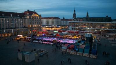 Der bunte Dresdner Winterzauber 2014 von oben (Foto Rene Schön)