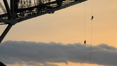 Abseilen vom Besucherbergwerk F60 im Lausitzer Seenland. Foto: Prima- Abenteuer