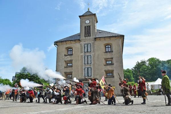 Musketiere vor der Magdalenenburg auf der Festung Königstein, © Festung Königstein