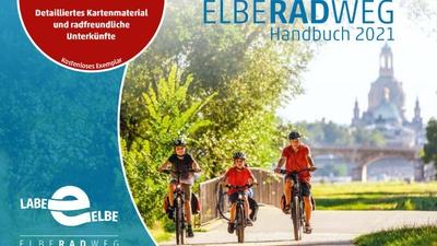 """Titelbild der neuen Ausgabe 2021 des """"Elberadweg Handbuchs"""""""