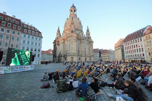 Kurzfilm Open Air auf dem Dresdner Neumarkt © Filmfest Dresden