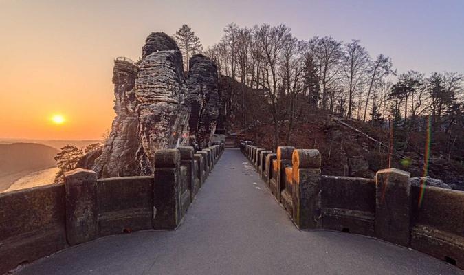 Die berühmte Basteibrücke über dem Elbtal ist im Winter oft menschenleer, Foto: Achim Meurer