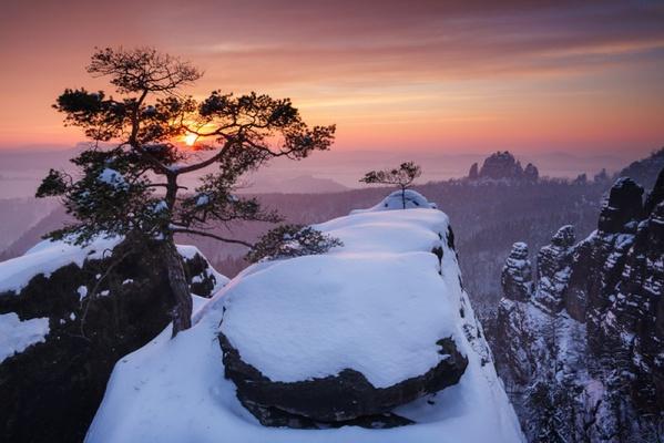 Winter im Elbsandsteingebirge / Foto: Stefan Junghannß