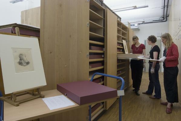 Blick in die grafische SammlungFoto: Museen der Stadt Dresden/ Franz Zadniček