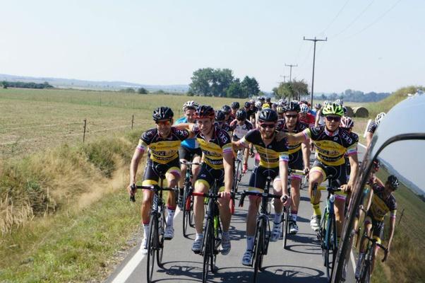 Teilnehmer auf der Strecke / Foto: Lindner