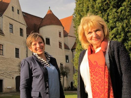 Ina Schumann (links) und Ingrid Welzig / © Schlösserland Sachsen