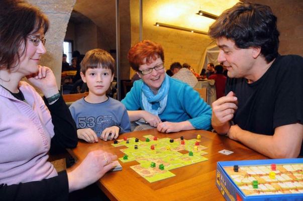 Carcassonne-Fan-Treffen mit Klaus-Jürgen Wrede (r) - Foto Steffen Giersch
