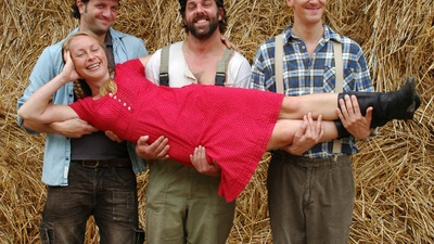 Würden Frauen auf Händen tragen: die Landeier Oliver Geilhardt, Saro Emirze und  Philipp Richter (v.l.) und Christina Kraft