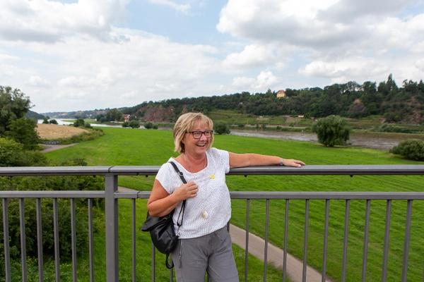 Katrin Knüpfer, Gästeführerin der Stadt Meißen und zertifizierte Weingästeführerin. Foto: Tourismusverband Elbland Dresden e.V.