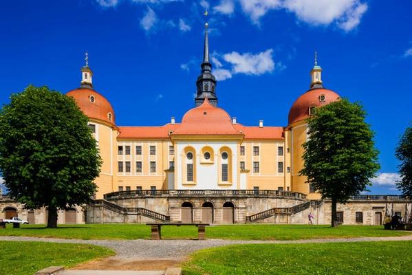 Schloss Moritzburg im Sommer / Foto: Silvio Dittrich © Schlösserland Sachsen