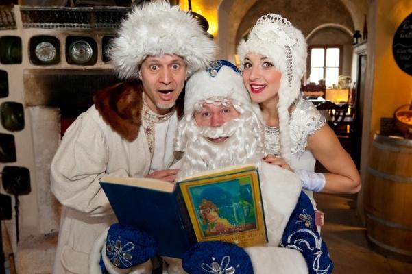 Ivan, Väterchen Frost und die Schöne Wassilissa (vlnr)Foto: Sebastian Thiel