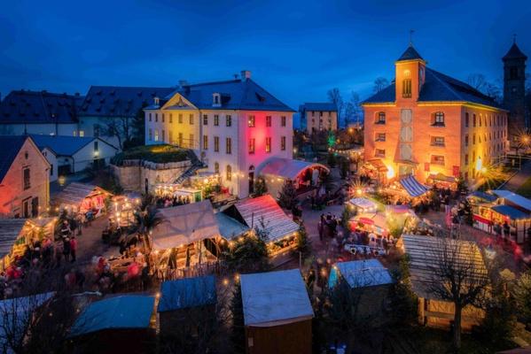 """Der """"Historisch-romantische Weihnachtsmarkt"""" auf der Festung Königstein, Foto: Sebastian Rose"""