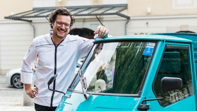 Benjamin Biedlingmaier versorgt Golfer mit GourmetkücheFoto Sebastian Thiel
