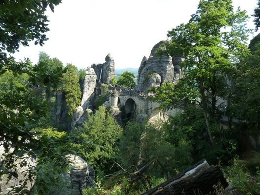 Basteibrücke im Elbsandsteingebirge© I. Rasche / PIXELIO
