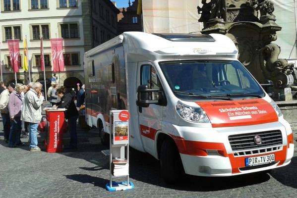 Die Sächsische Schweiz ist mit einem Infomobil vor Ort. Foto:  Tourismusverband Sächsische Schweiz
