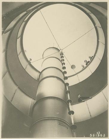 Blick in das Treppenhaus des Kugelhauses, ca. 1928 (A. P. Walther), © Stadtmuseum Dresden